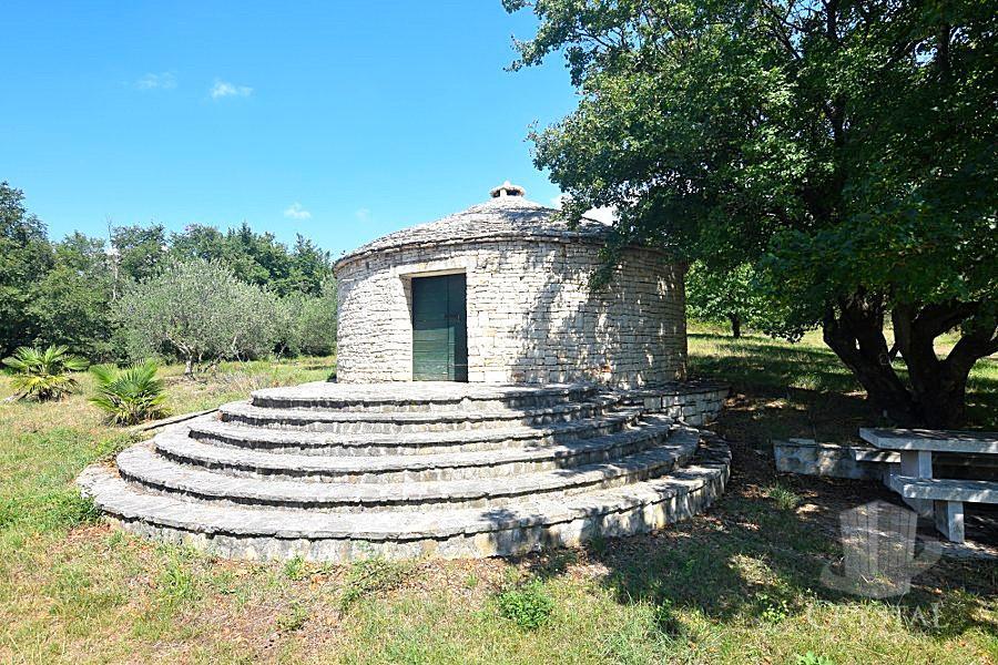 Casa in pietra brtonigla 00638 crystal immobili for Piani casa in pietra